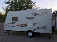Camper/trailer - like new