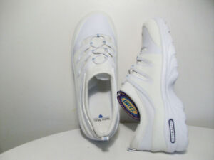 NEW RUNNiNG SHOES ORiGiNAL NURSE MATES  LEATHER Size 7-12