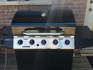 Master Chef BBQ natural gas with side burner