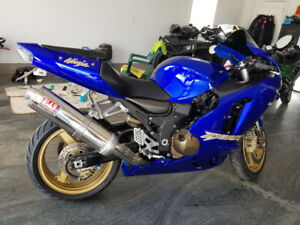 2003 Kawasaki ZX12R with 16,900 kms