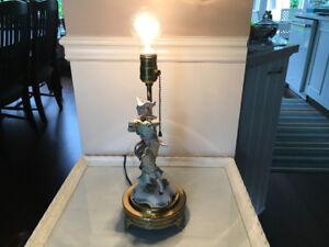 Vintage: lampe personnage en porcelaine