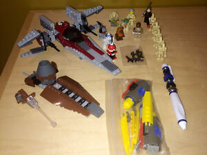 Lot de Lego STAR WARS, vaisseaux minifig crayon et plus!