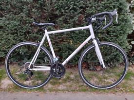 Road bike almost new for sale Sport e3200