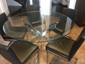 **Modern Design Kitchen Table & Chair Set** Perfect Condition**