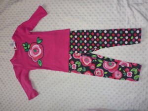 Two piece outfit Size 4T