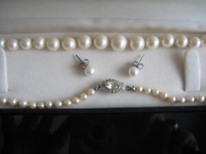 Pearl Necklaces with Earrings