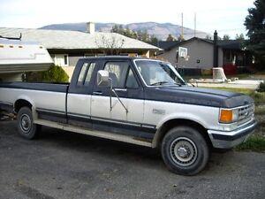 1987 Ford F-250 XLT Lariat Pickup Truck