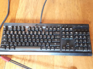 Corsair K70 Cherry MX Blue, Red LED