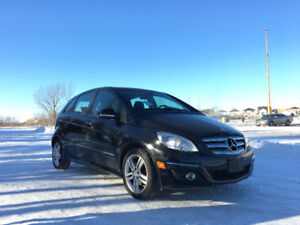 2011 Mercedes-Benz  B200 **Heated Seats, Low KMs**