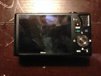 Nikon COOLPIX S8000 with orignal Charger/Chord/Operating Disc.