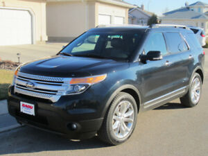2014 Ford Explorer XLT (with leather and Sunroof!)