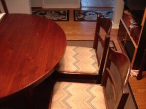 SOLID PINE DINING TABLE PLUS 6 CHAIRS Peterborough Peterborough Area image 2