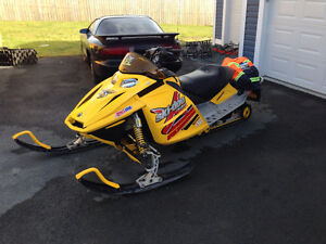 Parting out 2005 mxz 600 ho rev ski-doo ---709-597-5150)