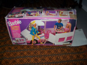 Barbie Golden Dream Motor Home 1992 Vintage in the box
