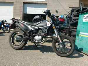 Pitster pro XTR200 STREET LEGAL supermoto