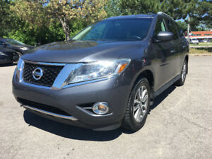 2013 Nissan Pathfinder 7 Passenger One Owner Only $13800