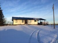 House For Rent, East of Grande Prairie 1/2 Hour