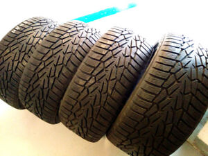 4 pneus d'hiver NOKIAN 245/45R19