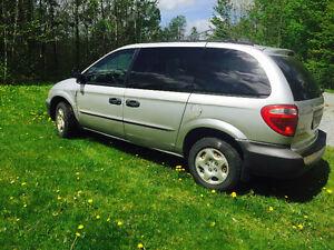 2001 Dodge Caravan Dodge caravan 2001 bon état Familiale