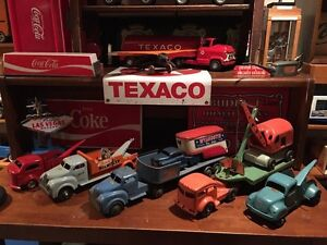 Toy tow trucks