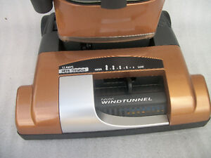 HOOVER   BAGLESS UPRIGHT VACUUM   ===SORRY SOLD >>