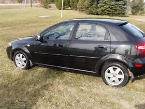 2005 Chevrolet Optra STL Hatchback London Ontario image 3