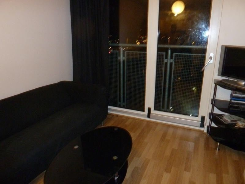 VERY MODERN 1 BEDROOM FLAT. 2 MINS WALK TO GANTS HILL STATION. FULLY FURNISHED.