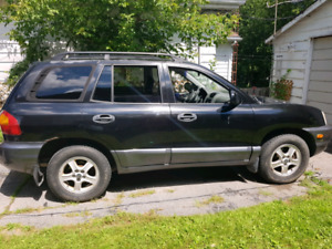 Sante Fe 2002 as is $2300 need gone due to move