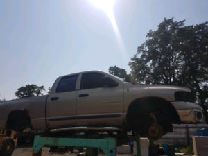 Parting out a 2002 Dodge Ram 5.2L (318) Magnum