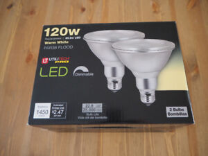 2 PAR38 LED floodlights bulbs, new in box
