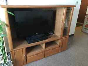 *price reduced - must go* oak entertainment stand