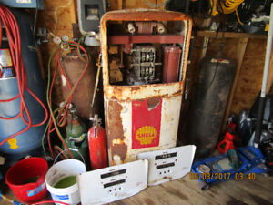Old gas pump for restoration or leave as is $600