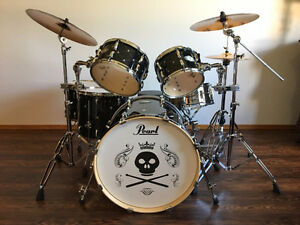 Limited Edition Pearl Vision 6 Piece Drum Set w/ Sabian Cymbals