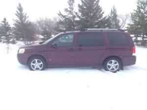 2007 Chevrolet Uplander LT EXT Minivan, Van