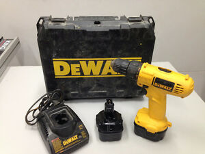 Perceuse à batteries 12V Dewalt