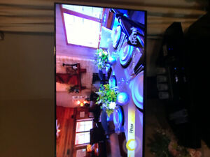ALMOST NEW SAMSUNG 55 INCH SMART LED TV WITH MANUAL