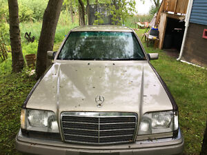 1994 Mercedes-Benz E-320 only 155.000km for parts