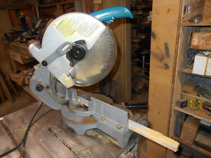"""Makita 10"""" Electric Miter saw.  EXCELLENT!"""
