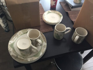 Fantastic shape Corelle dining set with new glasses