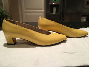 $15 Designer (Talbot) Classic Summer Pumps Size 8, Yellow