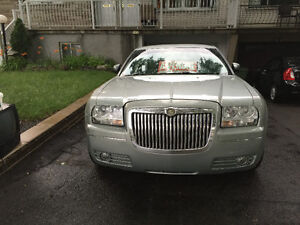 2005 Chrysler 300-Series Cuire limited v6 rapide 6800$