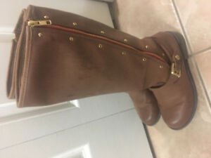 Girls brown boots size 5