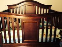 "Delta Children ""Westin"" Convertible 3 in 1 Crib"