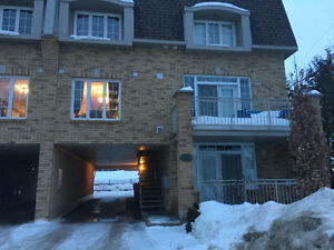 2 bedroom apt on 2 levels in Hull 15m walk to the Byward Market
