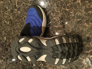DISNEY Mickey Mouse Athletic Shoes, Size 22 or US 6 Kitchener / Waterloo Kitchener Area image 1