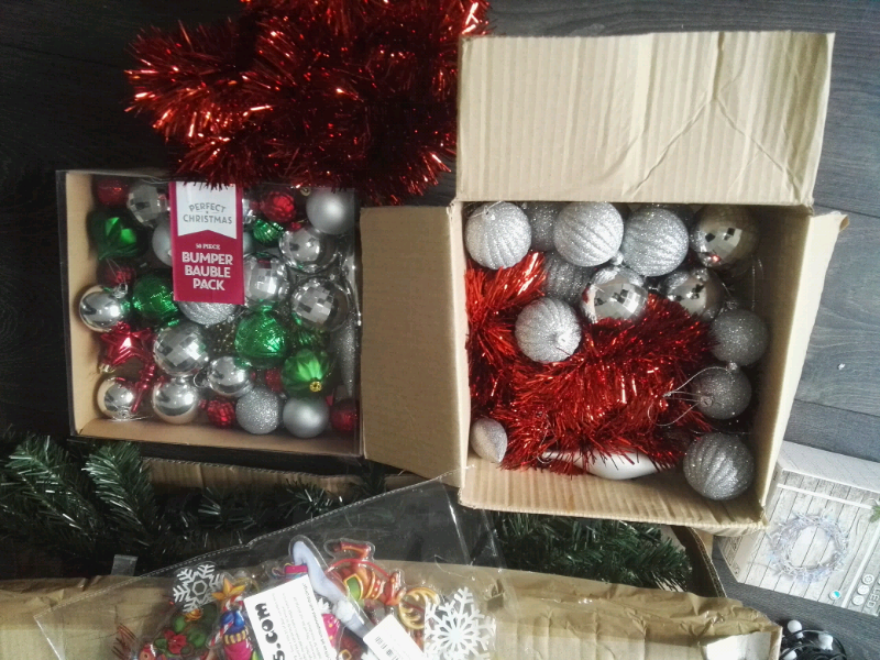 Christmas Tree Decorations And Lights Reduced Price For