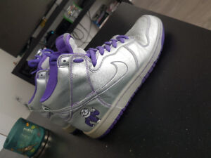 Limited edition Nike SB Dinosaur jr