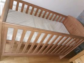 Mamas and papas set( cot +wardrobe)