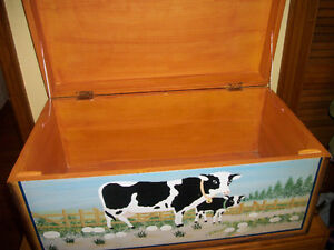 STORAGE BOX.HAND PAINTED.NICE CONDITION .HARD TO FIND ..