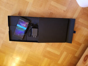 Razer phone with  case and screen protector 10/10 almost new